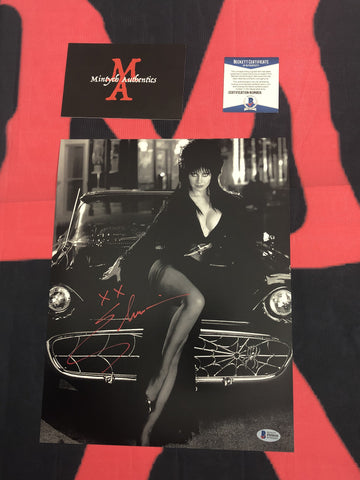 CP_236 - 11x14 Photo Autographed By Elvira