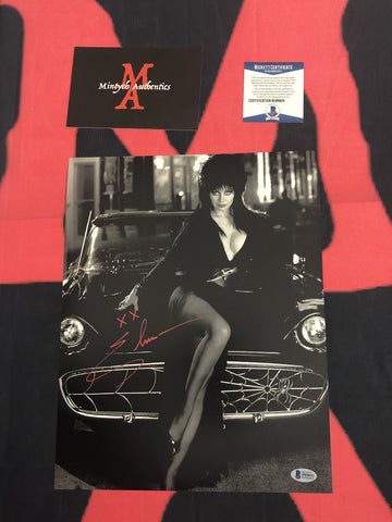 CP_237 - 11x14 Photo Autographed By Elvira