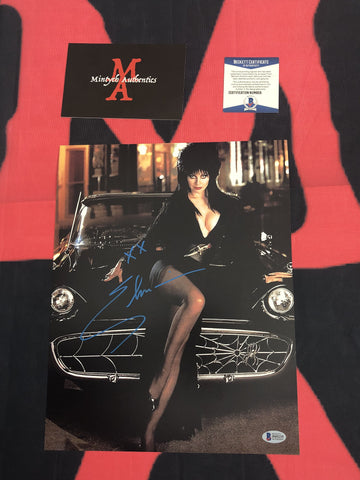 CP_249 - 11x14 Photo Autographed By Elvira