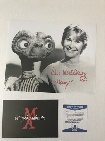 DW_73 - 8x10 Photo Autographed By Dee Wallace