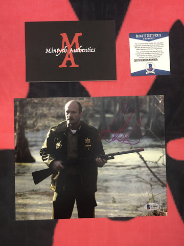 HOWARD_001 - 8x10 Photo Autographed By Andrew Howard
