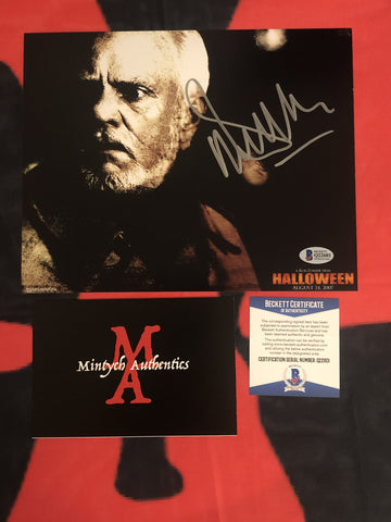 MALCOLM_035 - 8x10 Photo Autographed By Malcolm McDowell