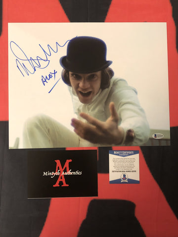 MALCOLM_091 - 11x14 Photo Autographed By Malcolm McDowell