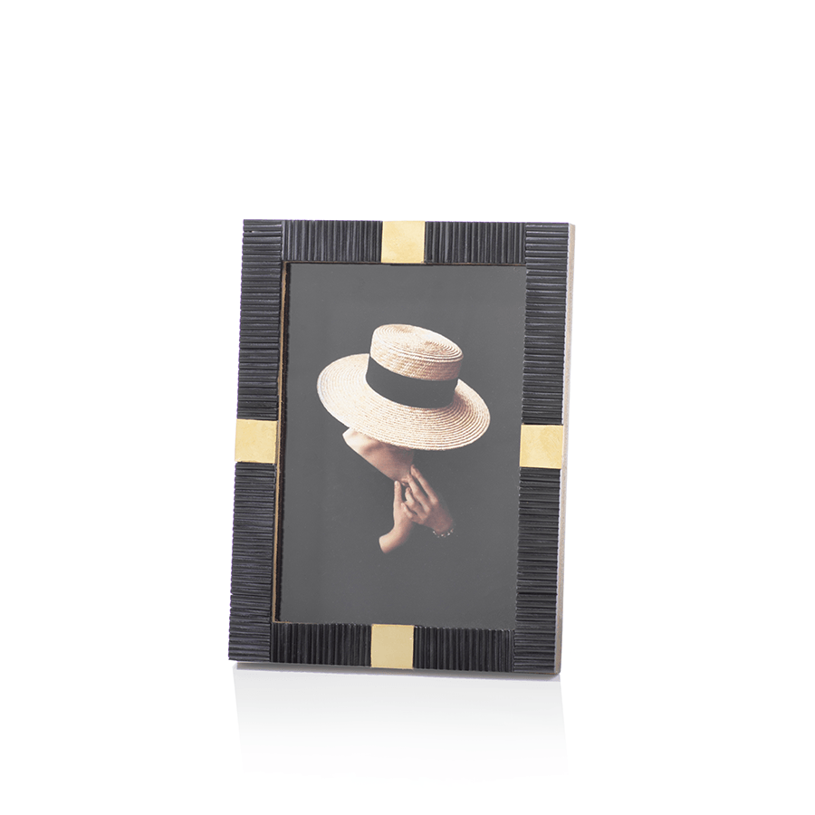 Maha Zodax 5 x 7 black and brass modern photo frame designer