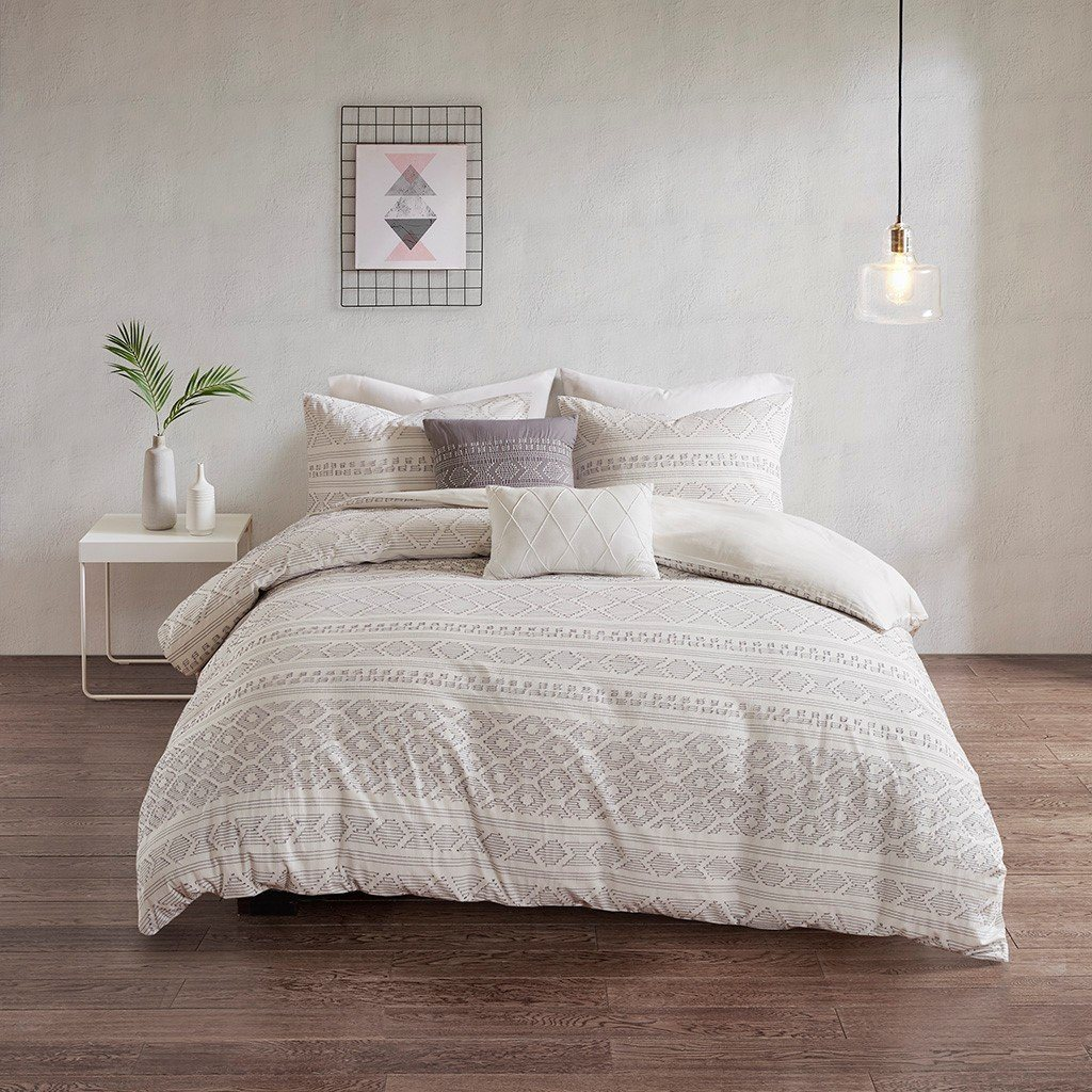 White and Grey Cotton Pattern Bedding
