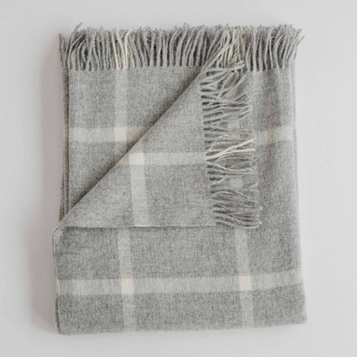 Windowpane pattern grey and white stripe 100% merino wool throw blanket with fringe