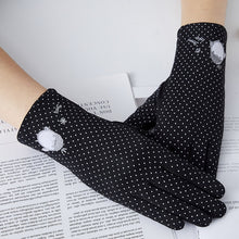 Summer Sunscreen Wrist-length Sweet Penguin / Flower Touch Screen Gloves (Multiple colors)