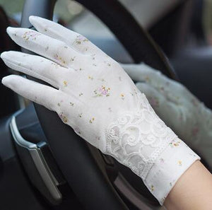 Vintage Roses & Lace Cotton Anti-UV Slip-resistant Wrist Length Driving Gloves (22 Styles)