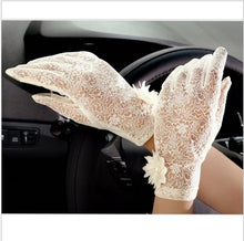 Vintage Sunscreen Lace Anti-UV Driving Gloves in 5 Colors