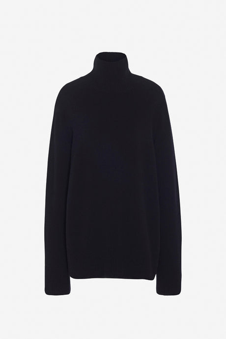 Milina Turtleneck Sweater in black long sleeves