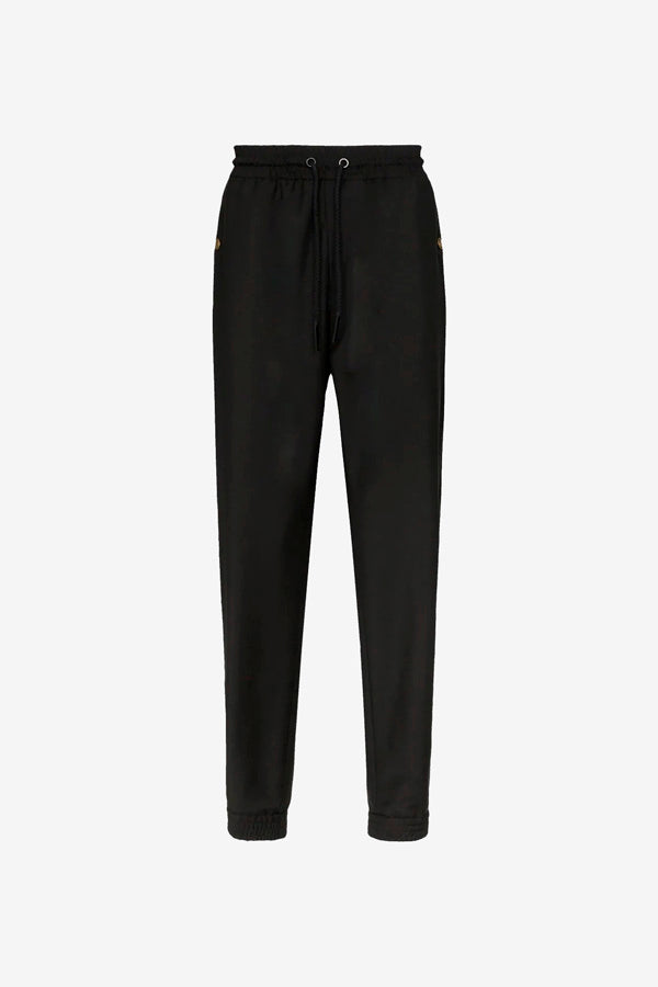 Black joggings with a rubber waistband and a casual fit