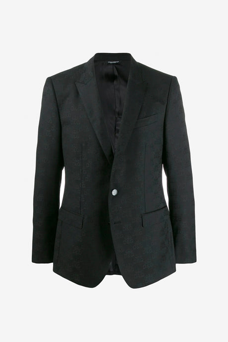 Black blazer with long sleeves and single breasted design