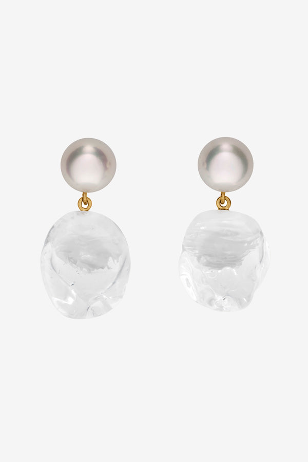 Pearl earrings in 14 yellow gold