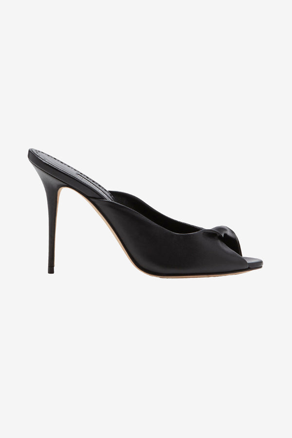 Black leather pump with high thin heel