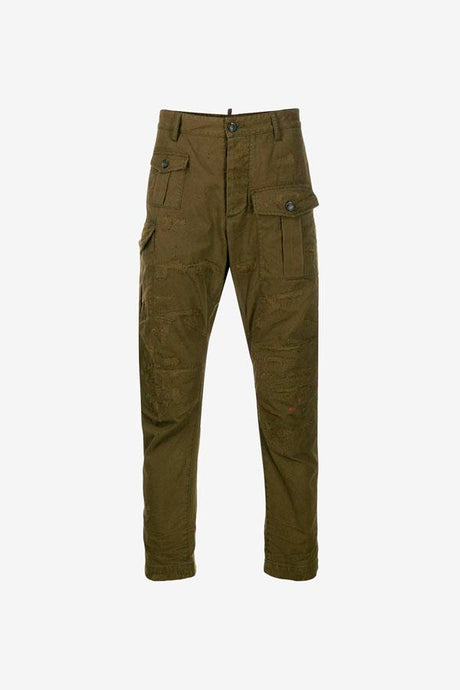 Army green cargo pants with side, front and back pockets. The pants has distressed details on back and front.
