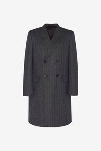 Long coat in grey made from baby alpaca wool, with two front pockets and double-breasted and notch lapel.