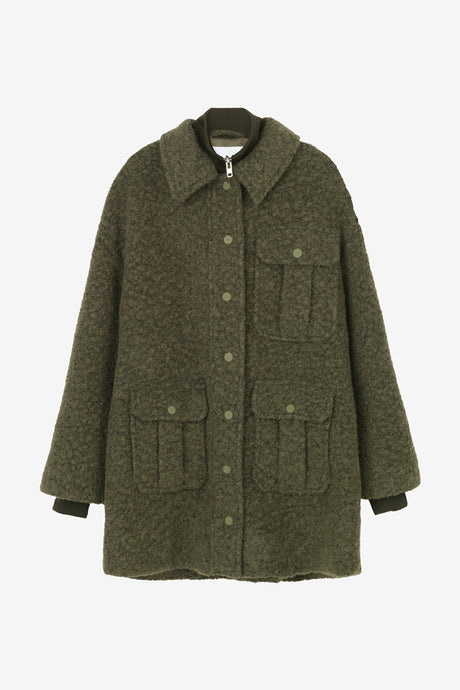 Heavy wool jacket with three front pockets