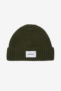 Beanie in ribbed green wool blend, with a turn up hem and patch logo in white.