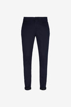 Men's pants in navy gabardine with a slim fit, zipper-fly and button closing.