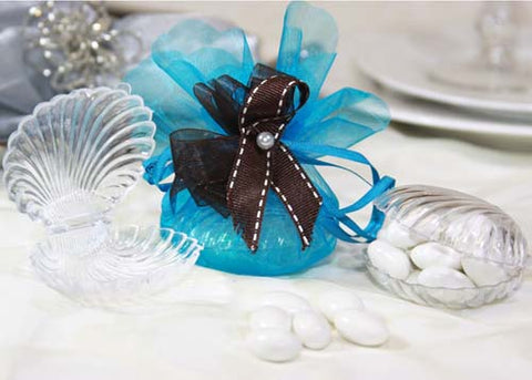 Clear Plastic Clam Shell Favor - 12 Pieces