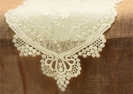 Ivory Lace Table Runner (1 Piece)