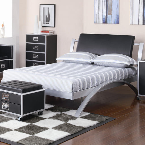 Contemporary Full Bed, Black and Silver
