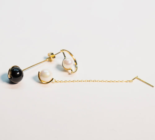 The Glared Black - Pearl Earrings