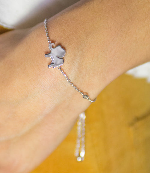 Elephant bracelet with diamonds
