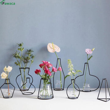 Iron Outline Vase - vase