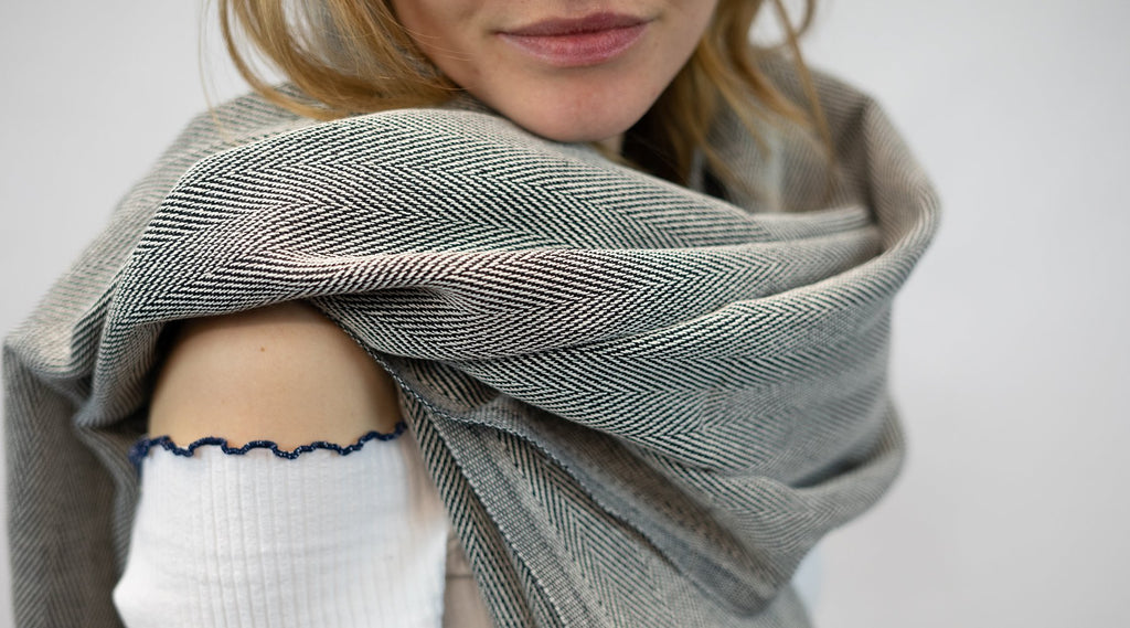 How to wear your Blanket Scarf | Blankets Scarves | Hamamingo