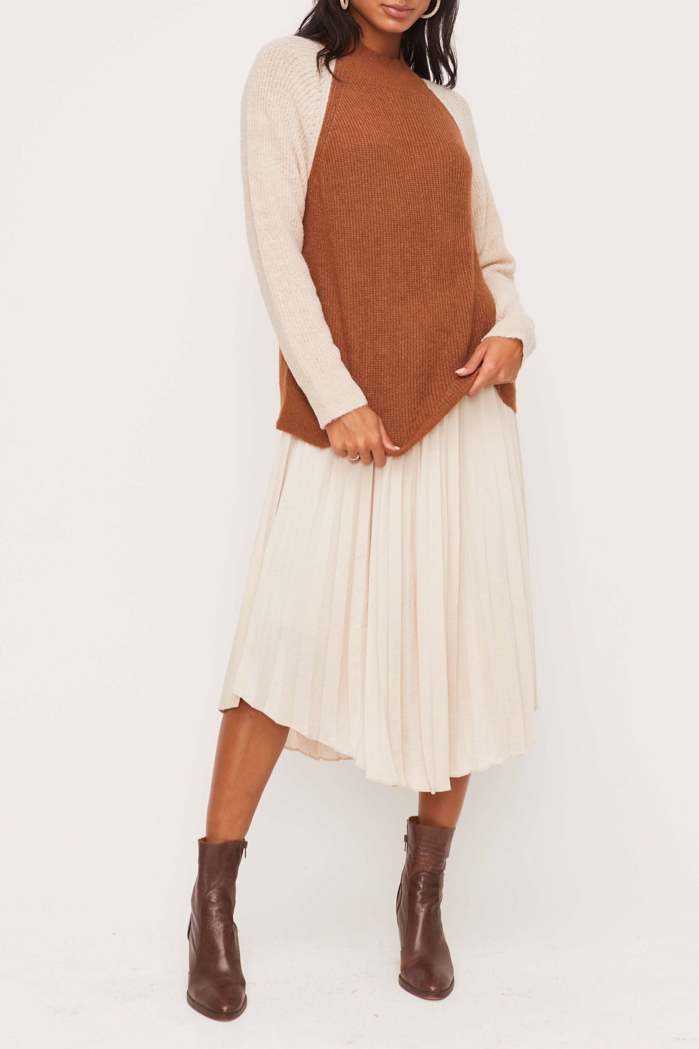 Mock Long Sleeve Sweater in Camel / Taupe