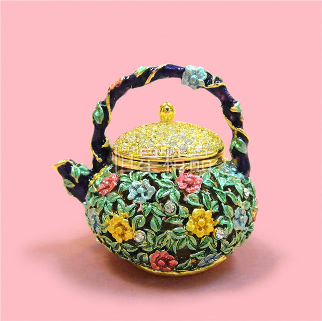 Metal European teapot home decoration ornaments Floral Pattern  Classical Accent Home Decor Teapot