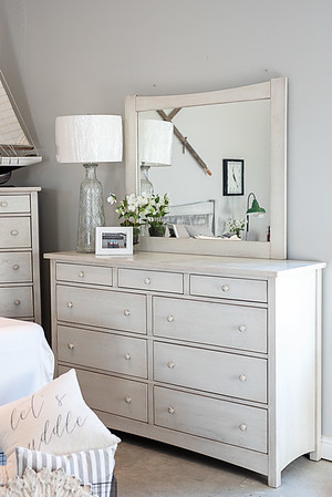 Salem 9-Drawer Dresser