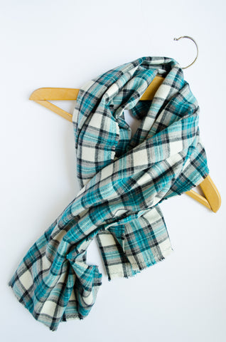 womens-blanket-scarf