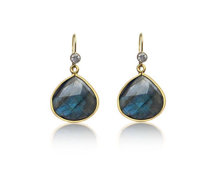 Labradorite Earring for a Positive Change