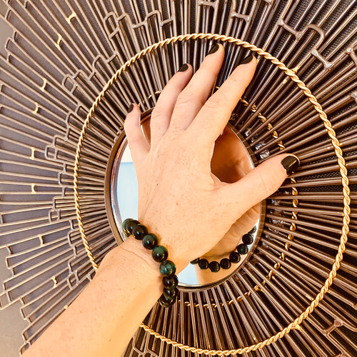 Malachite Bracelet for Balance in Your Life. Malachite is a strong protector. It is said to protect the wearer from accidents and protects travelers.  It is a stone of balance in relationships.