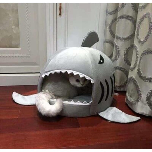 Small large waterproof pet cute shark outdoor cat house for kittens