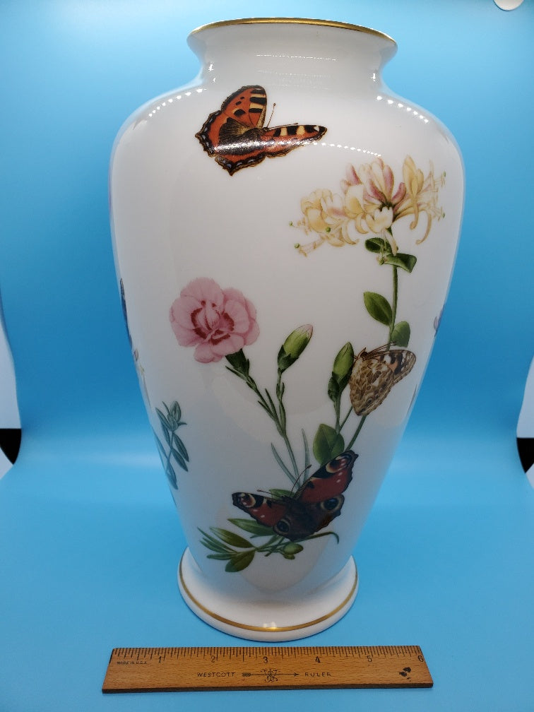Porcelain Country Garden Butterfly Vase