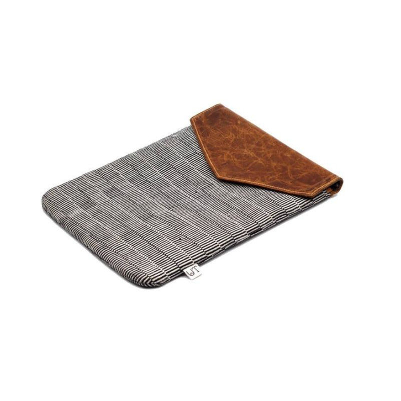 cuarteado laptop sleeve