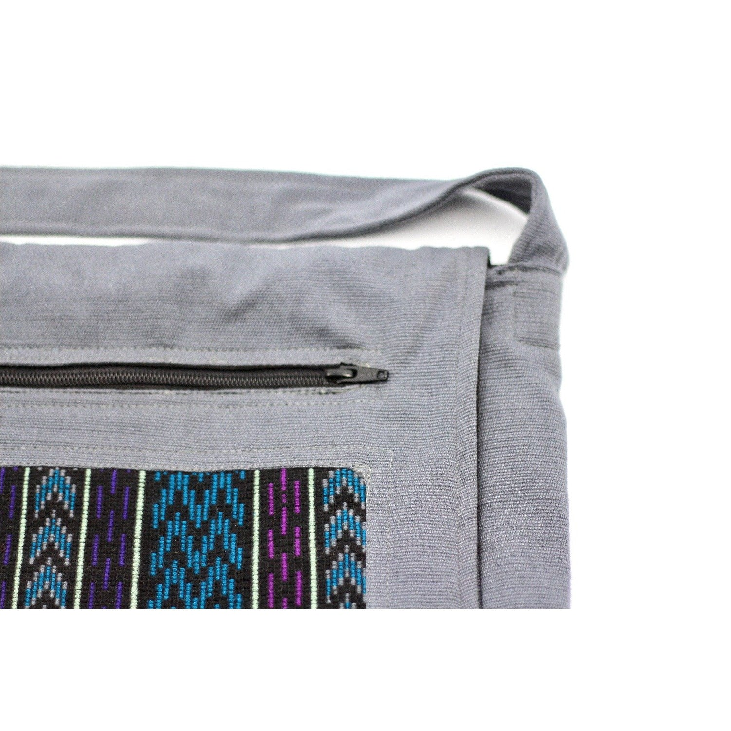 uq k'iche messenger bag zoom zipper