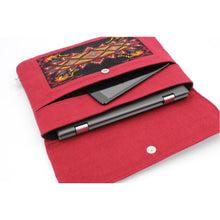 Load image into Gallery viewer, q'ij tat laptop case w laptop