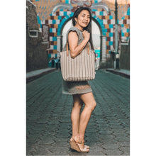 Load image into Gallery viewer, Atol Blanco Purse with model