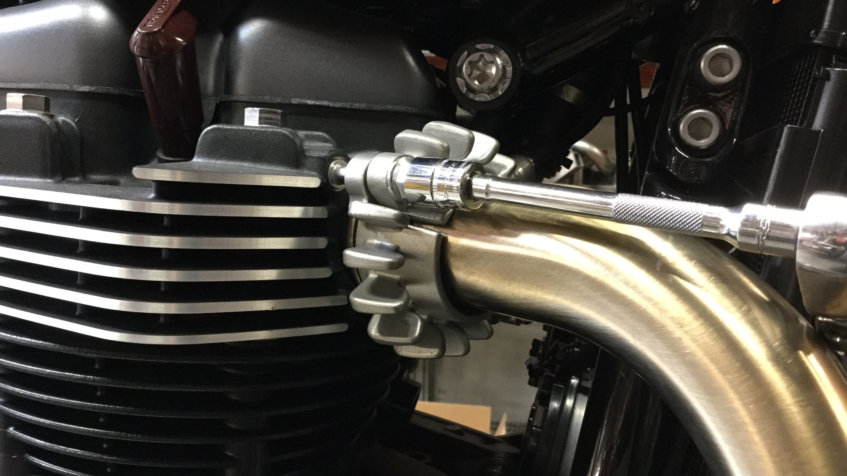 British Customs Sleeper Install on Triumph Bobber