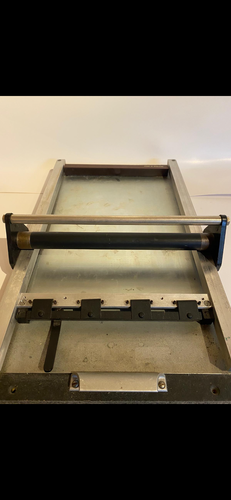 Lightweight portable proofing press
