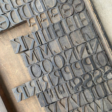 10 line Day and Collins Wood Type