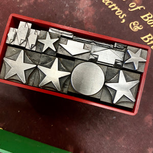Small box of stars and arrows