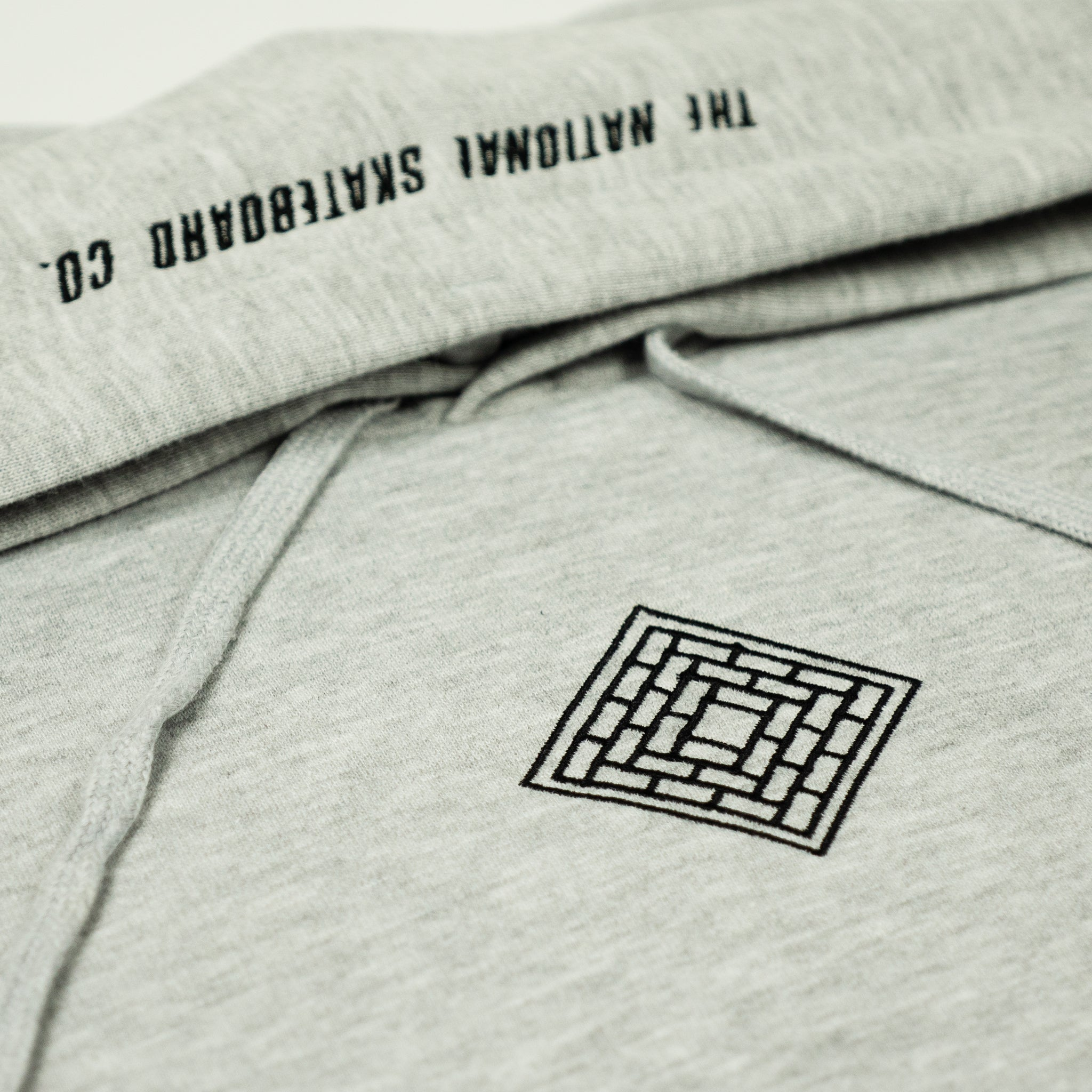 LOGO SLANT HOODED SWEATSHIRT - GREY