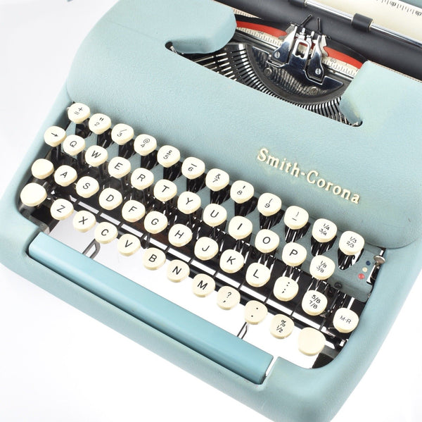 Smith Corona Clipper Typewriter old working Clean Superb vintage