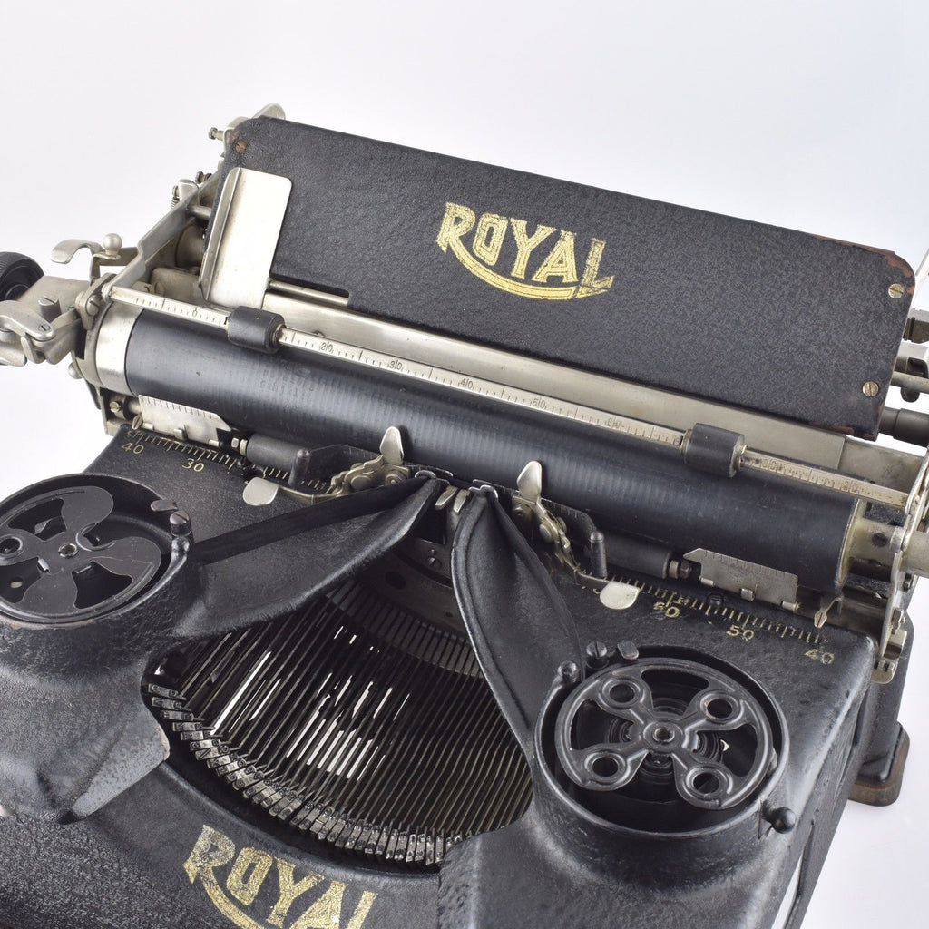 By Mr & Mrs Vintage Typewriters - 100% Genuinely Serviced Working