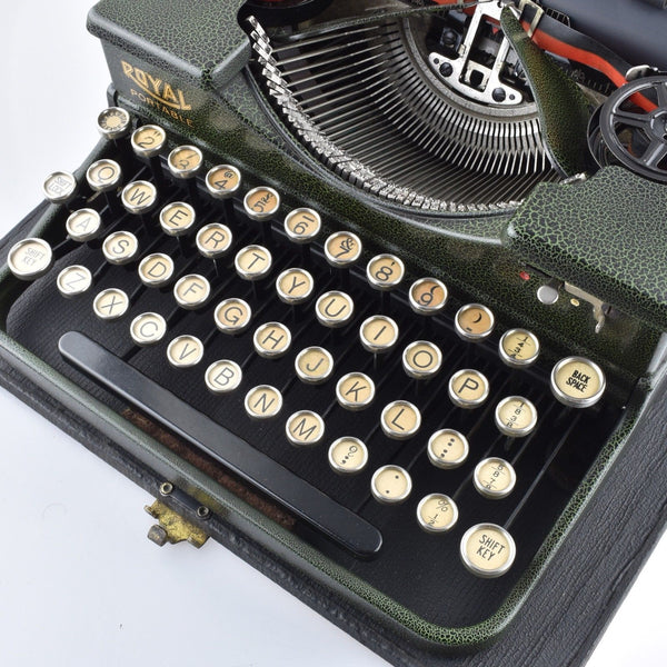 Mint Royal P Crackled Green Typewriter Glass top keys Portable Pristine